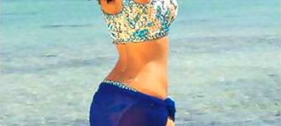 Bollywood Actress Back Exposed-2